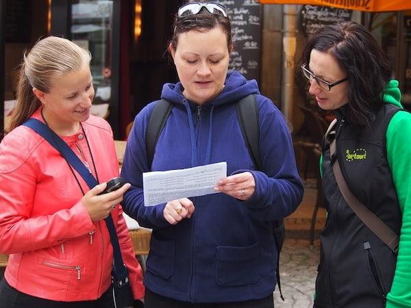 Auftakt für die Entdeckungsreise rund um Leipzig: In der Stadt Leipzig genießen wir eine spannende Schnitzeljagd mit der fröhlichen Stadtführerin Katja von *betourt Leipzig.