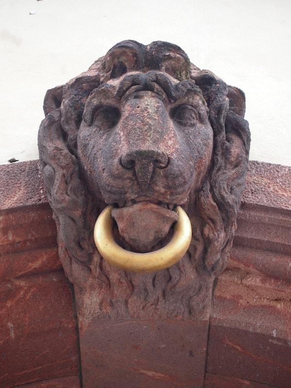 Gleich daneben ... noch so ein Löwe hier in Leipzig !! ;)