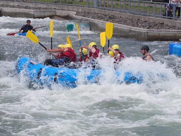 Die Rafting-Erfahrung im Makkleeberger Kanupark ist die erste meiner Art ...