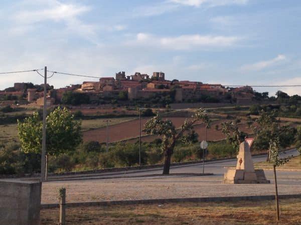 Castelo Rodrigo aus der Ferne betrachtet