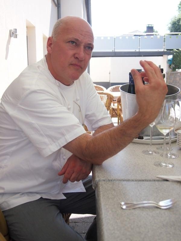 ... Hans ist sichtlich ergriffen von unserem Interesse am Terroir, Ausbau & Charakter der luxemburgischen Weine ...