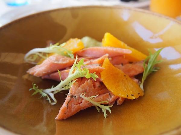 ... die Qualität der sommerlichen Speisen im Restaurant Henrich ist hervorragend.