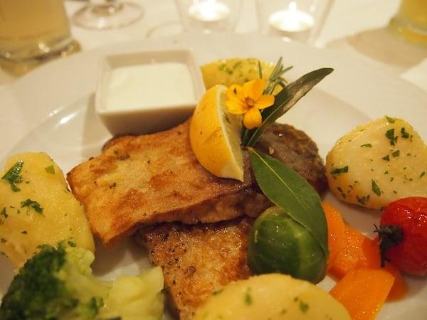 ... ebensowenig im benachbarten Gmünd, wo der Besuch des Restaurant Hopferl mit dem typischen Waldviertler Karpfenfilet lockt.