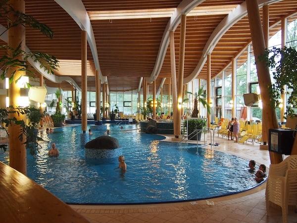 Sollte das Wanderwetter mal nicht so mitspielen, gibt es hier weiters die Möglichkeit zu Genuss im Hotel & Spa Sole-Felsen-Bad Gmünd.