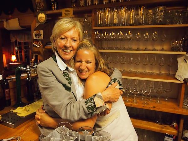 Danke, liebe Erika, für den großartigen Besuch bei Dir !!! Wir freuen uns schon auf das nächste Mal in Deiner Buschenschank!