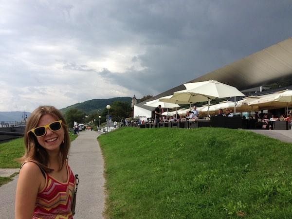 ... ist es Zeit für einen Besuch an der Donau: Das moderne Welterbe-Schifffahrtszentrum Wellenspiel in Krems-Stein bietet sich als Café, Restaurant & Infozentrum ideal dafür an!