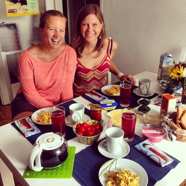 """Los geht's unter (Reise)Bloggern: Gemeinsames Frühstück zum """"Warm-up"""" vor dem Stadtspaziergang durch Krems!"""