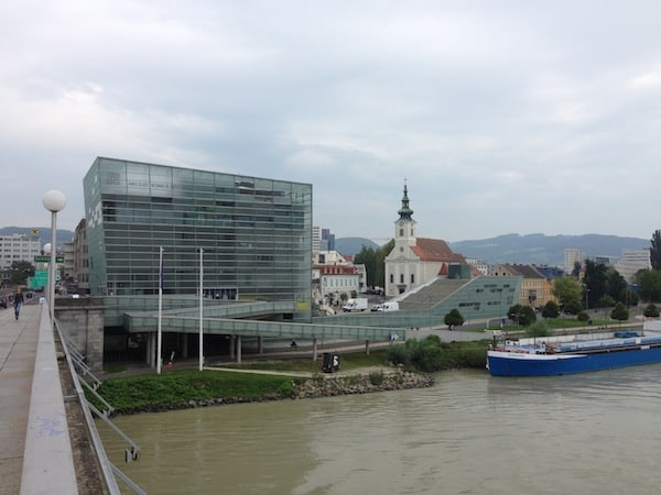 View of the Ars Electronica Centre in Linz from outside.