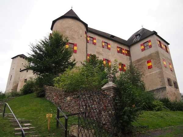 Like many other castles in the Burgenland, Lockenhaus Palace towers above a hill in the forest close to the Burgenland border with Hungary.