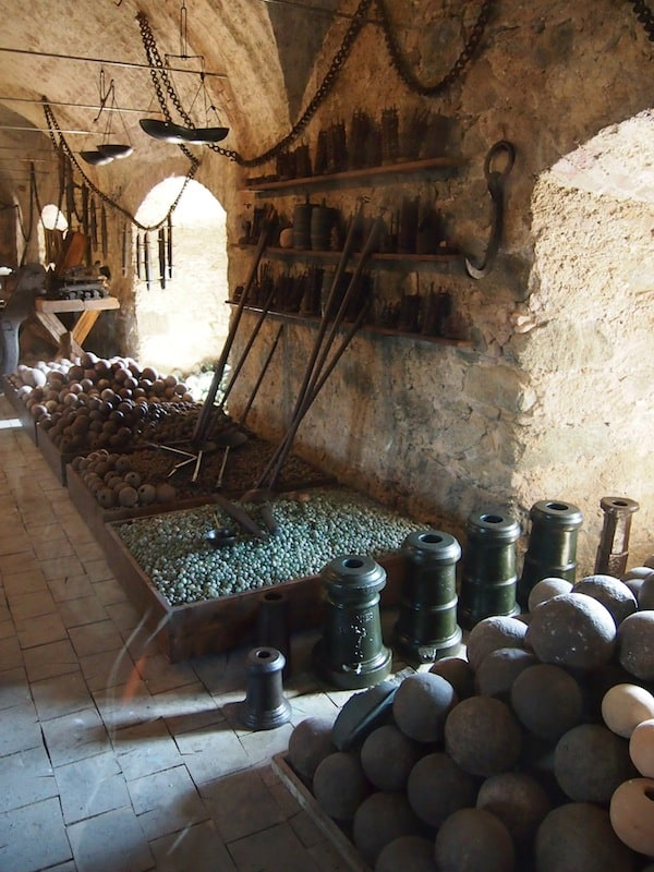 The weapons department is quite stunning, too, although all of this warfare is a bit too much for my liking ...