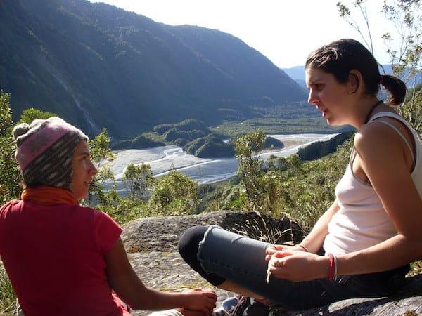 ... die am besten mit Freunden auf einer der zahlreichen Wanderwege des Landes erkundet werden.