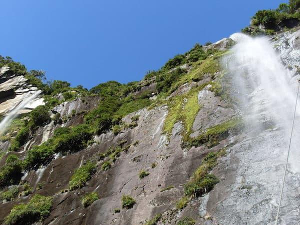 ... selbst Regen & anschließende Wasserfälle sind hier ein einzigartiges Naturschauspiel ...