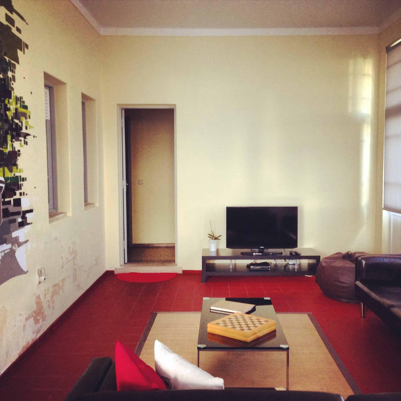 Vielen Dank auch an die liebe Mafalda, welche ihren Lebenstraum mit der Eröffnung dieses gemütlichen Hostel Coreto verwirklicht hat: WiFi, Lounge, internationale Gäste, gelebte Flexibilität, Ruhe & Gemütlichkeit erwarten Besucher hier.