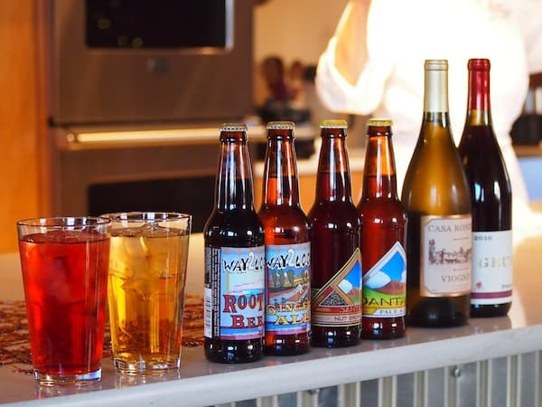 Once the meal has been prepared, we get to choose from this rather colourful selection of home-made ice tea, artesanal beers or New Mexican wine.