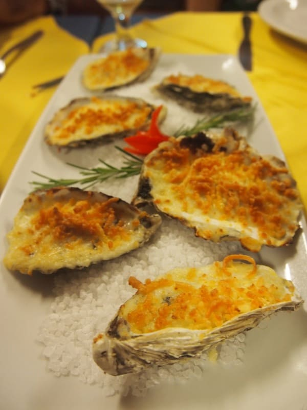 Natural or oven-baked with cheese is how I love my oysters ...