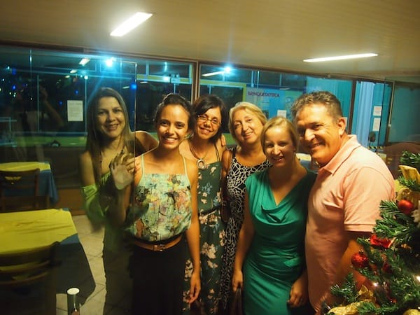 Foodlover society with a twist: At the end of the night, we have all but grown into friends & family! From left to right: The manager of the Barracuda Grill restaurant, ..., Sonia Meireles and her daughter Marina, Roze Komora and right next to me, Sonia's husband Ricardo.