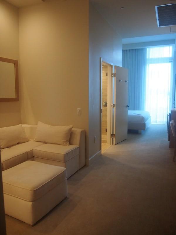 Und auch das Schwesternhotel Grand Beach Hotel Surfside wartet mit luxuriös eingerichteten, großzügigen Zimmern auf ...