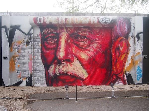 ... dieses Kunstwerk beispielsweise ehrt einen der Gründerväter Miami's, Henry Flaglan, wie ich von Antonio erfahre ...