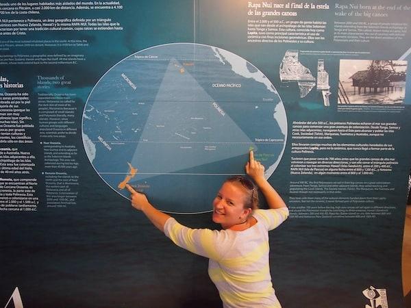 Das polynesische Dreieck besteht aus Hawaii, Te Pito O Te Henua (Osterinsel) sowie Aotearoa (Neuseeland): Hier sind Sprache, Kultur & Besiedlungsgeschichte durch polynesische Seefahrer besonders eng miteinander verwandt.