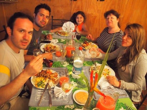 Mahlzeit mit dieser weiteren, liebenswerten Familie aus Santiago de Chile!