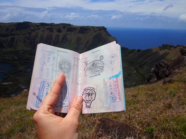 (Erst mal einen Stempel holen: Ich war in Rapa Nui, liebe Weltenbummler! Hehe.).