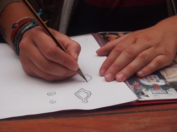 ... beginnen wir mit den ersten Zeichnungen für unser individuelles Design ...