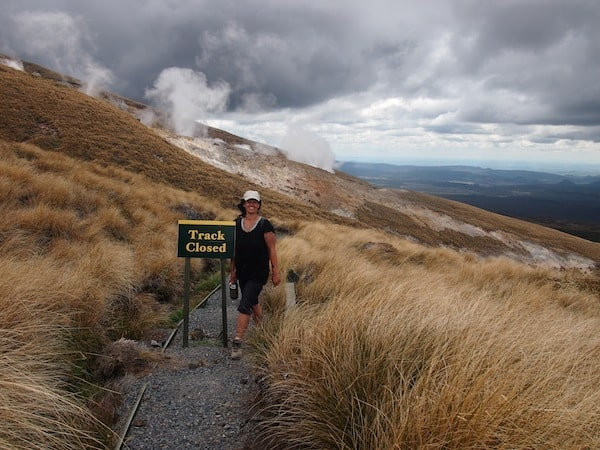 Part of our own feeling of safety is that we are with our happy local guide Ngahuia! And being Maori of the local Tuwharetoa tribe, she is allowed to take us onto her private land inside Tongariro National Park: We go where no one else is going !!!
