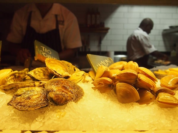 Fresh mussels on display make my mouth water …