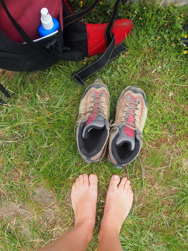 "Off we go: The famous ""Before""-Picture, complete with innocent-looking hiking boots and blister-free, happy feet! :D"