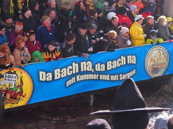 """... craziest carnival event so far: """"Da Bach na, da Bach na ..."""""""