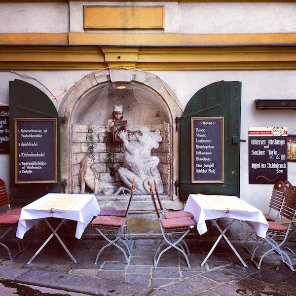 """... und erklärt die Wiener """"Schanigarten-Kultur"""" für eröffnet!"""