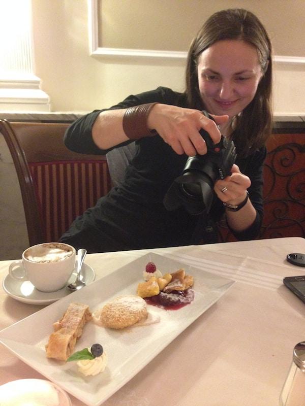 ... die, typisch Blogger, alle erst mal fotografiert werden müssen.!