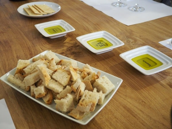 Love the local bread & spicy olive oils that come with the wine tasting here ...