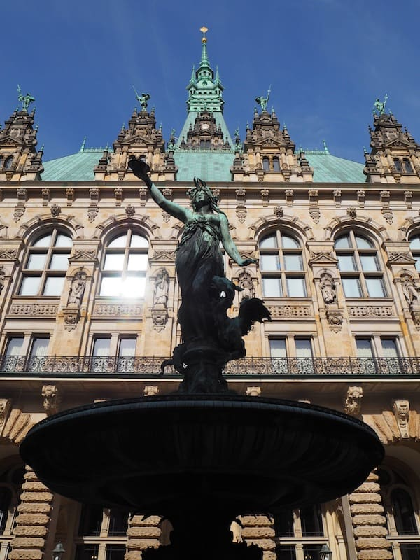 The Social Travel Summit #STSHamburg kicks off with a pleasant stroll around the beautiful port city of Hamburg ...