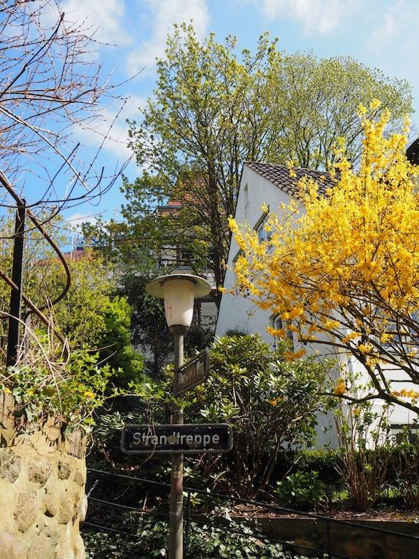"Love all the little alleyways around here: ""Strandtreppen"" in Blankenese!"