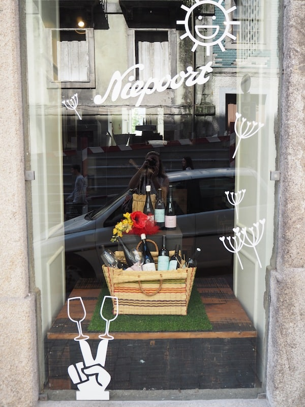 Even the local shop windows are infused with the spirit (and creativity!) of the local wine & food scene here in Porto!