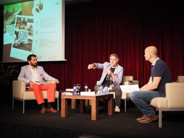 José Borralho (centre) & Nelson Carvalheiro (left) in their opening keynote moderated by Gary Bembridge (on the right).