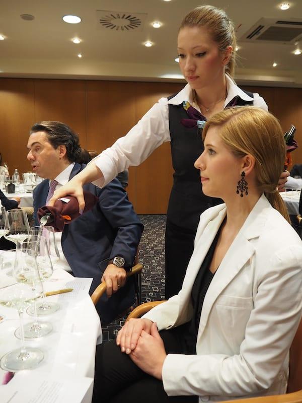 """Vorerst jedoch ist Konzentration angesagt: Auftakt zur diesjährigen Verkostungsrunde """"Grands Vins Mercure"""" ..."""