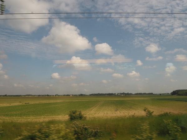 Die TGV-Verbindung von Paris-Charles-De-Gaulle direkt bis La Rochelle erlaubt es, in kürzester Zeit an den Atlantik zu reisen ohne Paris durchqueren zu müssen. Einfach genial!
