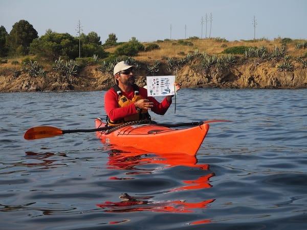 Der gute Pau, von SK Kayaks, ist mit Herz & Seele dabei wenn es darum geht, uns die heimische Fauna & Flora des Meeres der Costa Brava sowie rund um Llançà näher zu bringen.