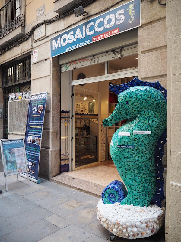 Finding Angelika Heinbach's Mosaiccos in the heart of downtown Barcelona is easy, really ...
