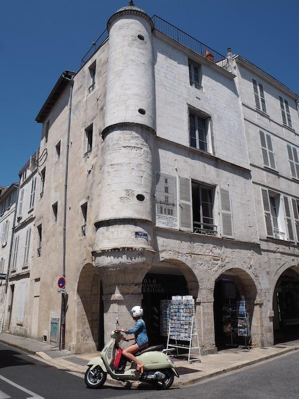 Hier wird der Charme französischer Kleinstädte spür- und erlebbar ...