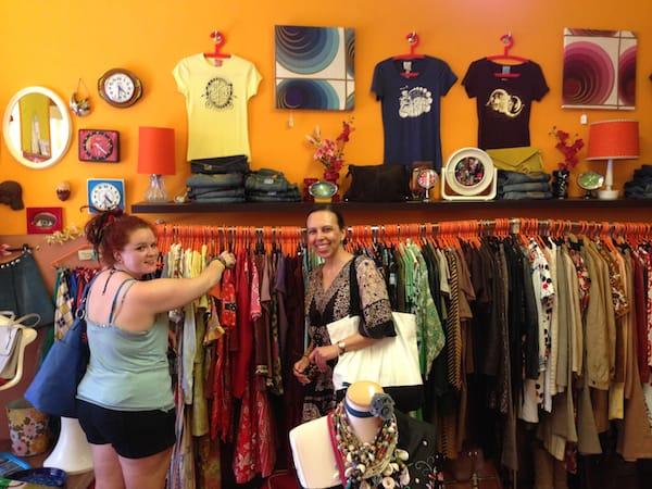 Der hippe 70er-Jahre-Laden hat es Katie und mir besonders angetan ...