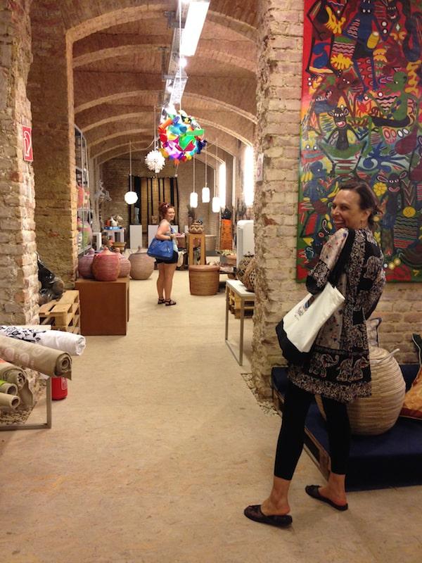 """… oder das Abtauchen in einen der coolsten Läden der Stadt, ein riesiges unterirdisches """"Afrika-Zentrum"""" im Herzen von Wien!"""
