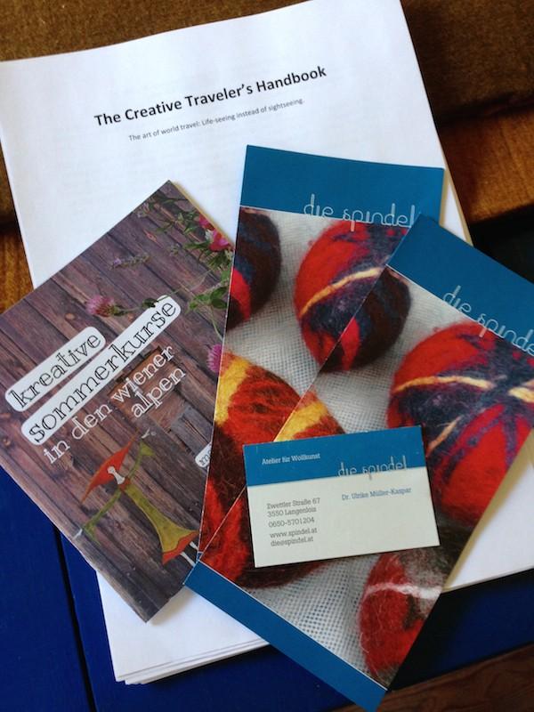 """Stolz präsentiere ich Ulrike eine erste Kopie meines Manuskripts, """"The Creative Traveler's Handbook"""". Aufregende Tage !!!"""