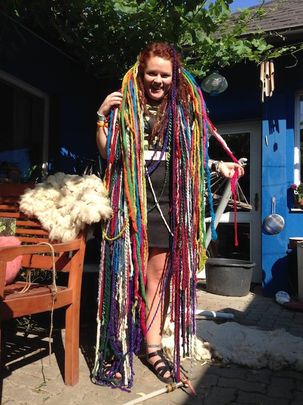 Katie selbst ist sichtlich überglücklich im Woll-Himmel angelangt ..