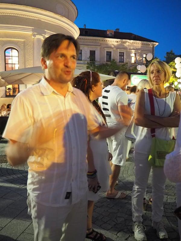 ... eine Stimmung, die von allen gefördert & getragen wird: Tourismusdirektor Klaus Lorenz ist für jeden Spaß (und Information) zu haben!