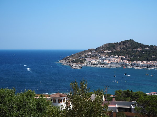 … we find ourselves spoilt to vistas like these, overlooking the port of El Port de la Selva.