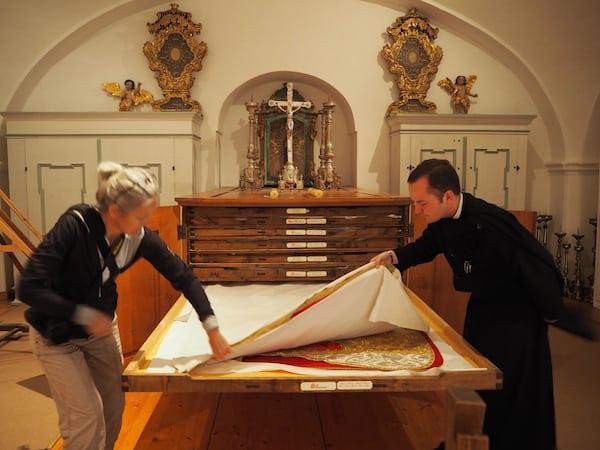 Und Schätze gibt es da, welche uns Frater Antonius aus dem Stift Seitenstetten bereitwillig präsentiert ...