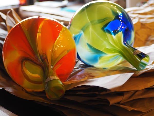 """… und aus dessen """"Schlund"""" solch wundersame Glaswerke wie diese hier entstehen!"""